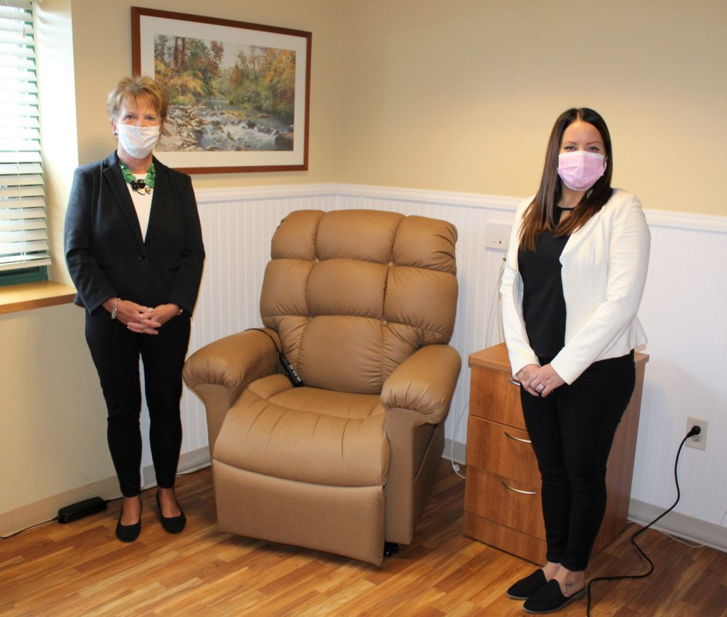 UltraComfort Lift Recliner Donated to Hospice of the Sacred Heart